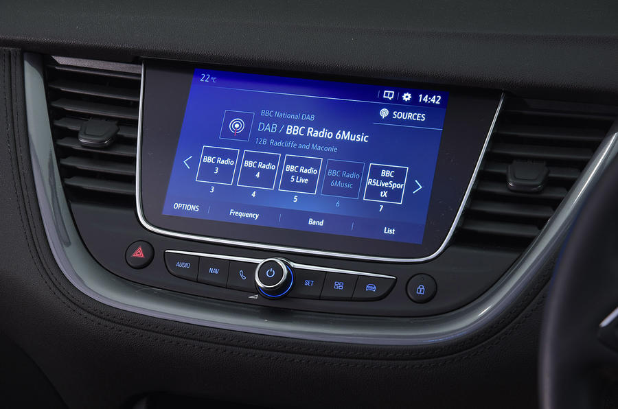 Vauxhall Grandland X Ultimate 2018 UK review infotainment