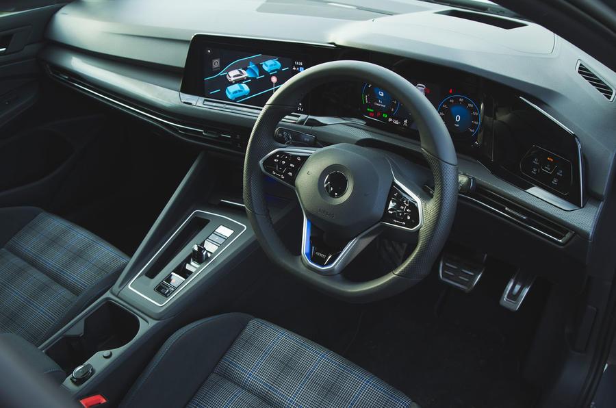 Volkswagen Golf GTE 2020 : premier bilan de conduite au Royaume-Uni - tableau de bord