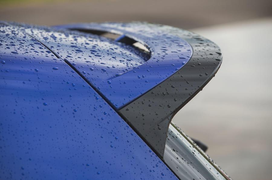 7 Volkswagen Golf R performance pack 2021 UE FD spoiler