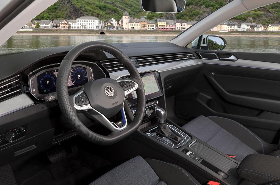Volkswagen Passat GTE Estate 2019 first drive review - dashboard