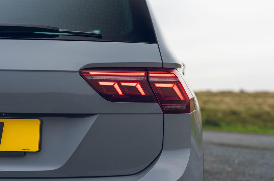 Volkswagen Tiguan Life 2020 : premier bilan de conduite au Royaume-Uni - feux arrière