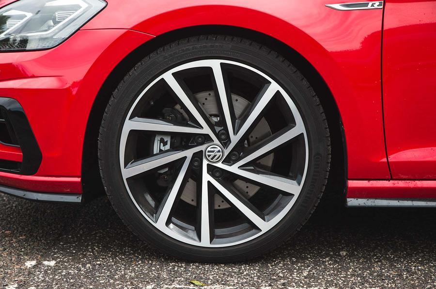 Volkswagen Golf R Estate performance pack 2018 UK review alloy wheels