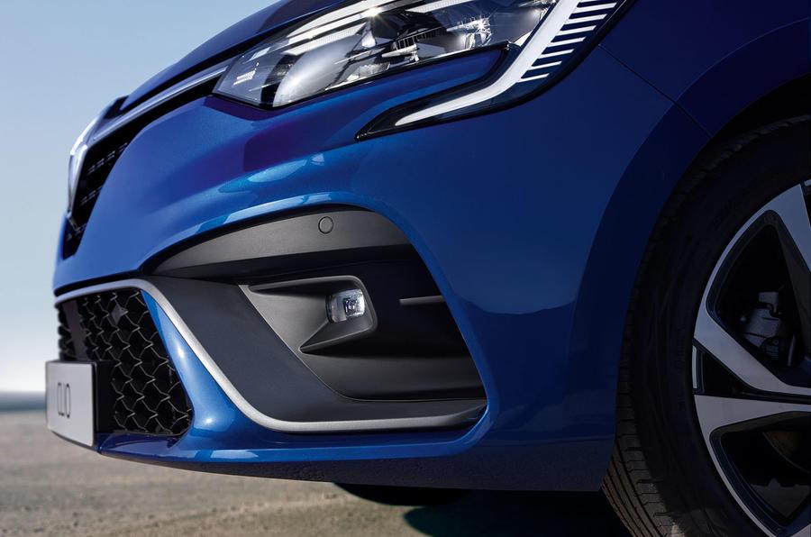 Renault Clio 2019 Autocar studio static - RS Line front end