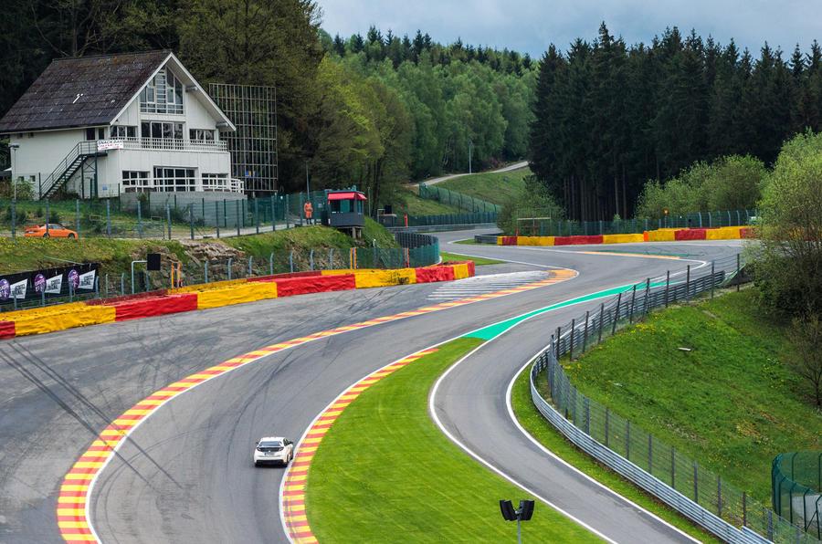 Honda Civic Type R breaks European lap records