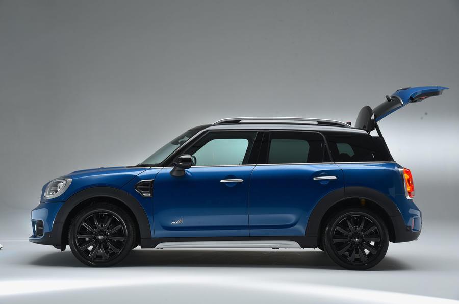 2017 mini countryman revealed autocar. Black Bedroom Furniture Sets. Home Design Ideas