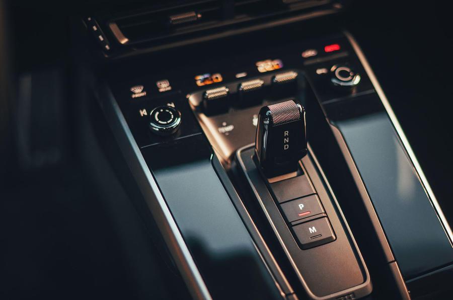 2019 Porsche 911 Carrera S track drive - gearstick