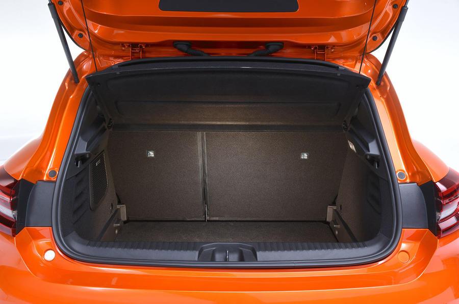 Renault Clio 2019 Autocar studio static - boot