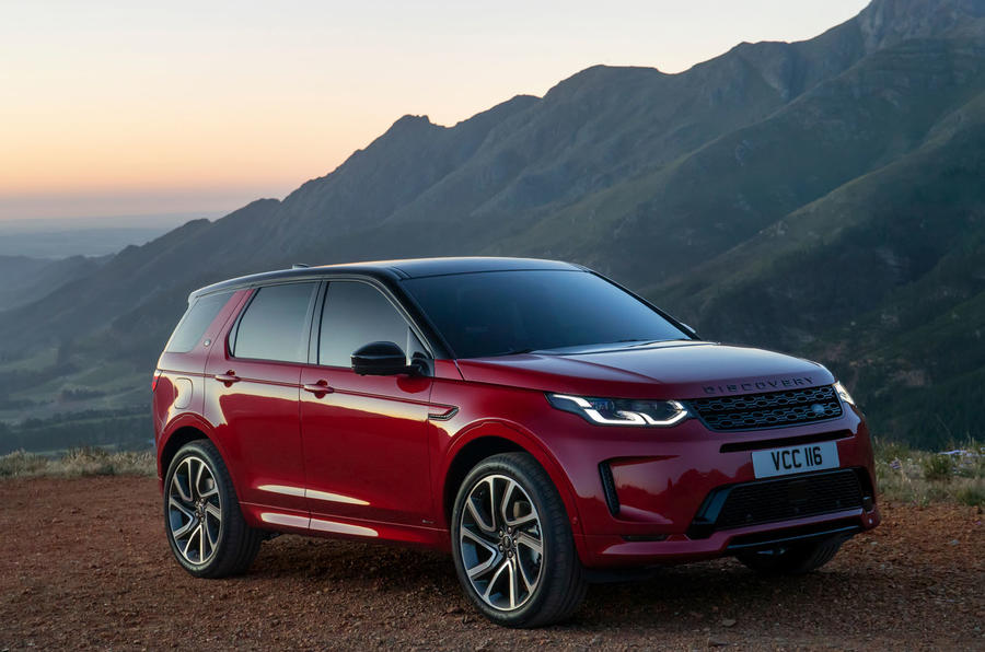 new land rover discovery sport receives interior overhaul. Black Bedroom Furniture Sets. Home Design Ideas