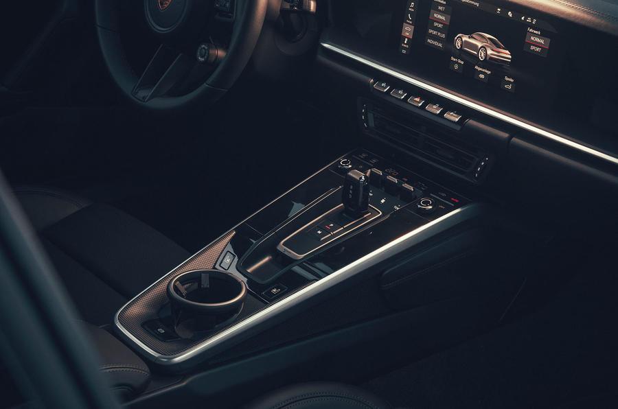 2019 Porsche 911 Carrera S track drive - centre console