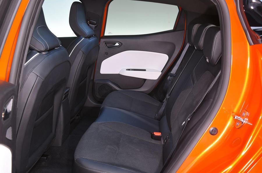 Renault Clio 2019 Autocar studio static - rear seats