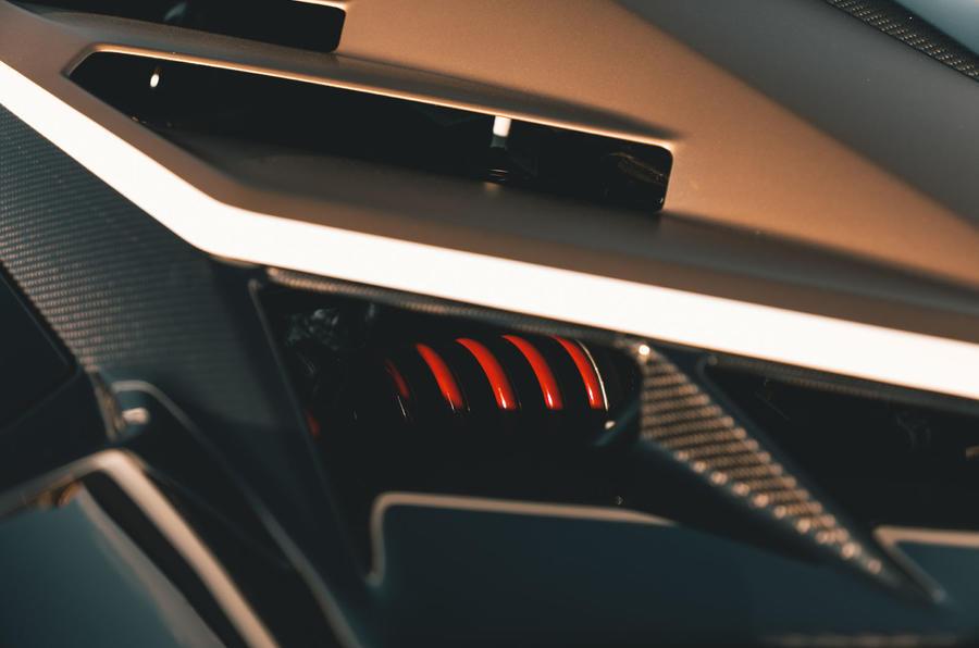 Lamborghini Aventador SVJ Roadster 2019 first drive review - suspension teaser