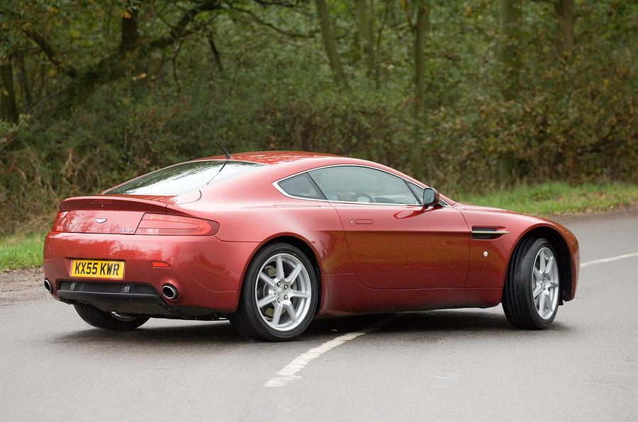 Aston Martin V8 Vantage 2005 - rear three quarters