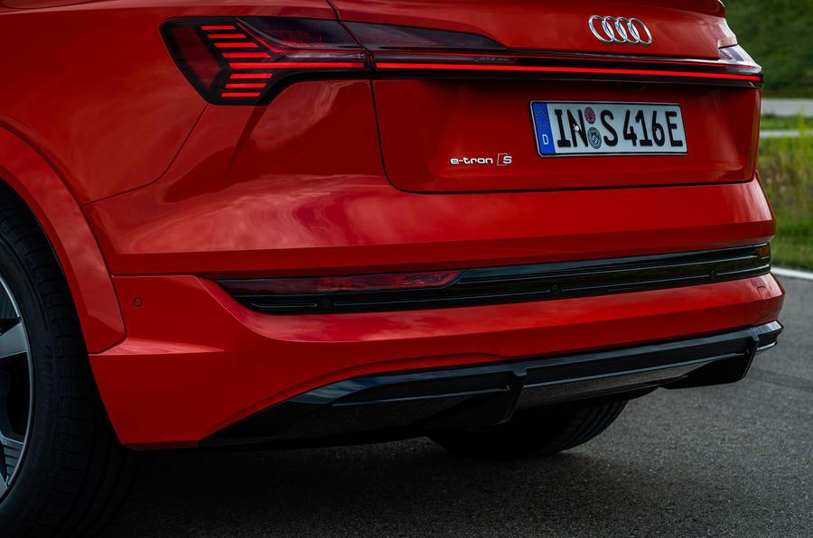 2020 - [Audi] E-Tron Sportback - Page 4 8-audi-e-tron-sportback-s-2020-fd-rear-end