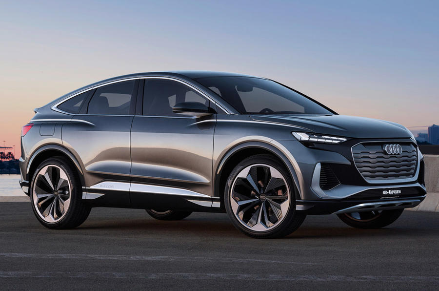 Audi E-tron - static side