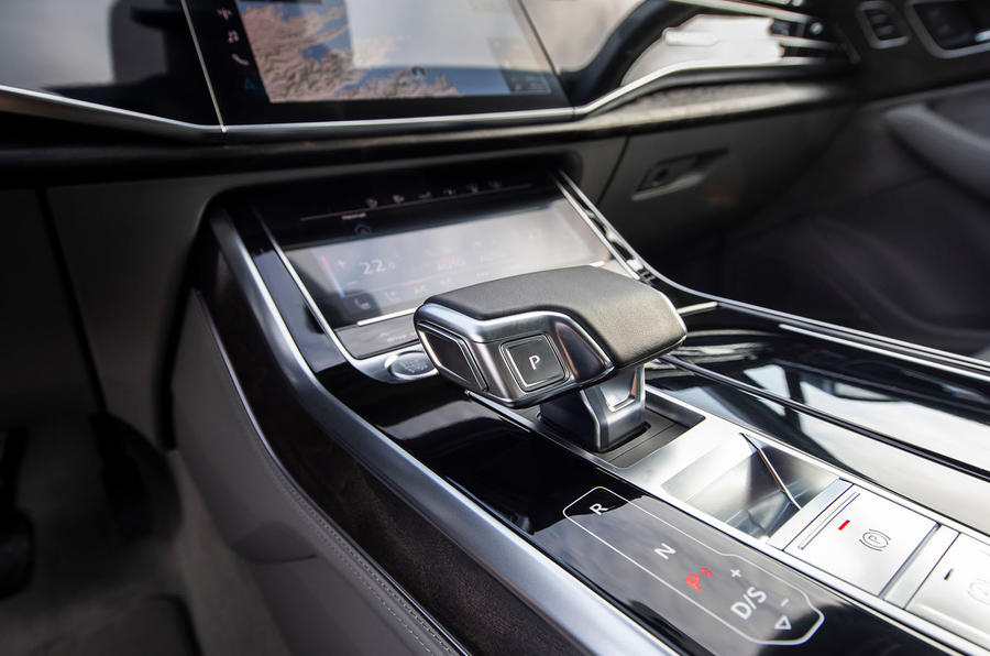 Audi Q7 2019 first drive review - centre console