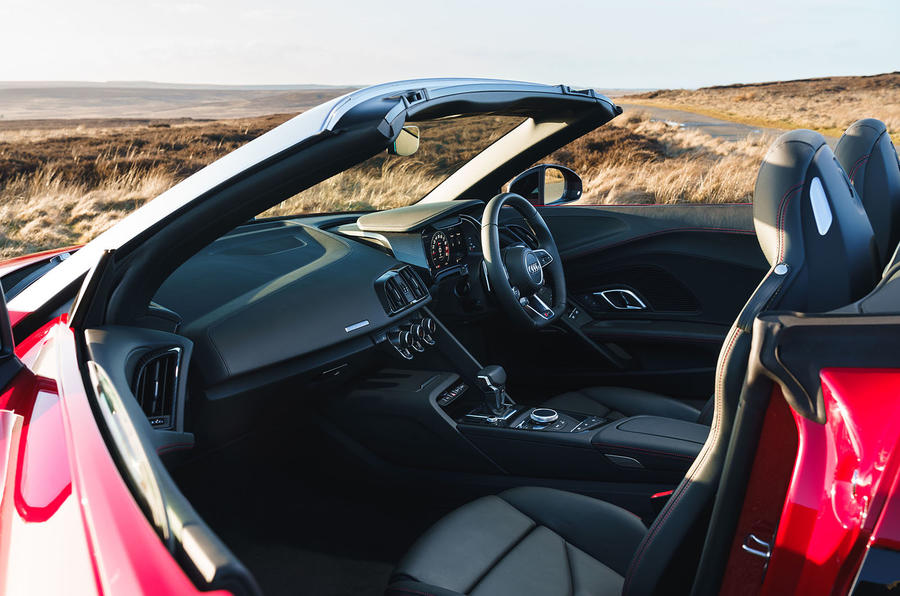 Audi R8 Spyder 2019 UK first drive review - passenger seat