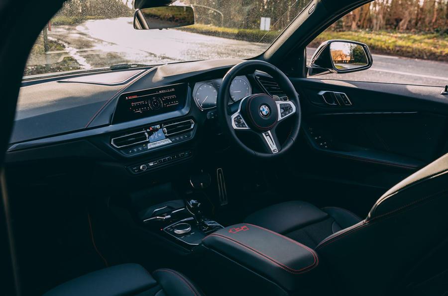 8 BMW 1 Série 128ti 2021 Première cabine d'examen de conduite au Royaume-Uni