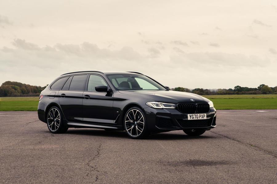 8 BMW Série 5 Touring 530d 2021 UE FD avant statique