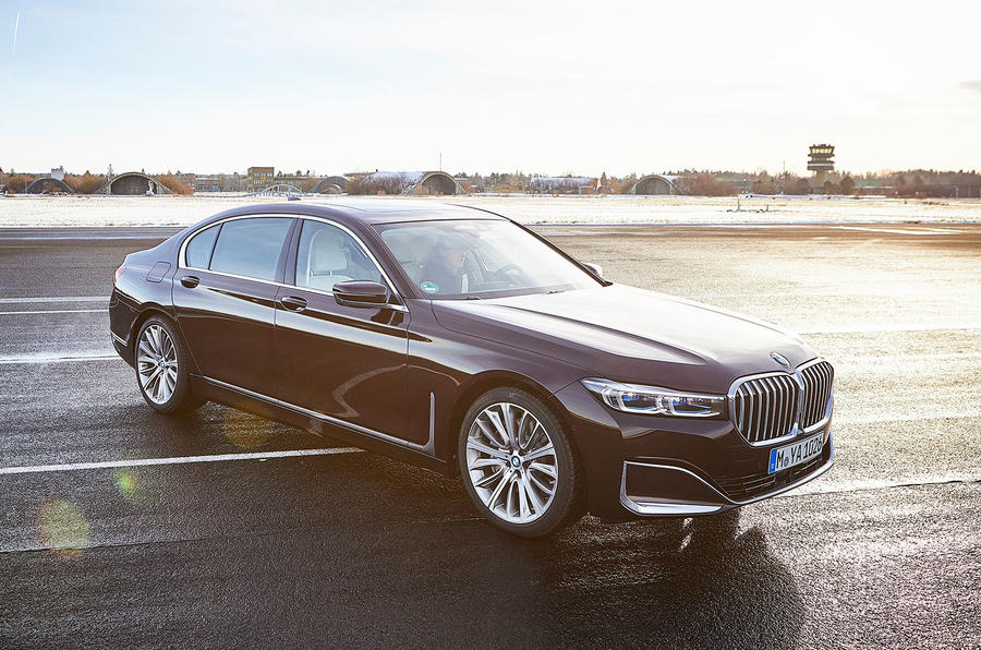 BMW 7 Series 745e 2019 first drive review - static front