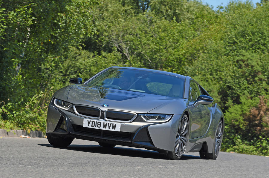 BMW i8 Coupe 2019 - hero front