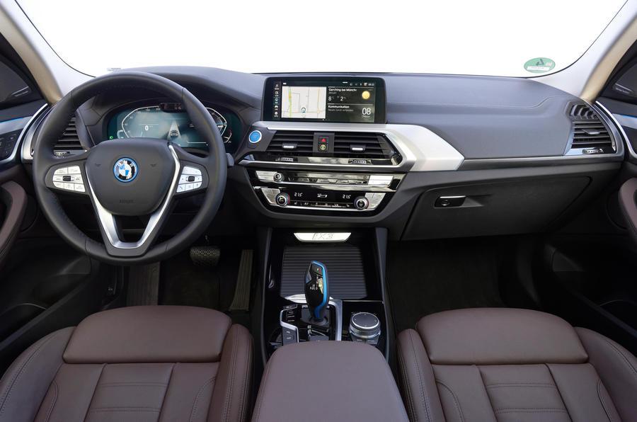 BMW iX3 2020 : premier bilan de conduite - cabine