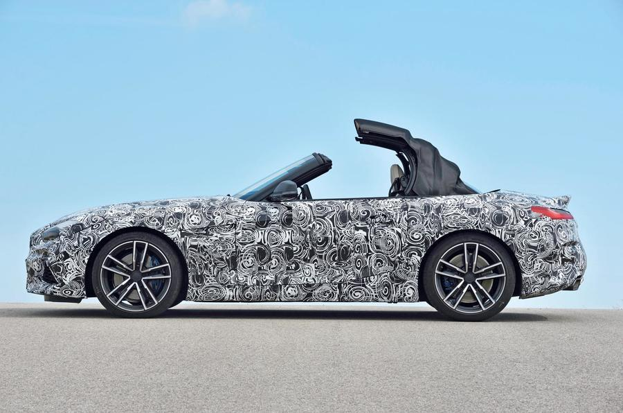 BMW Z4 prototype drive 2018 roof half-way