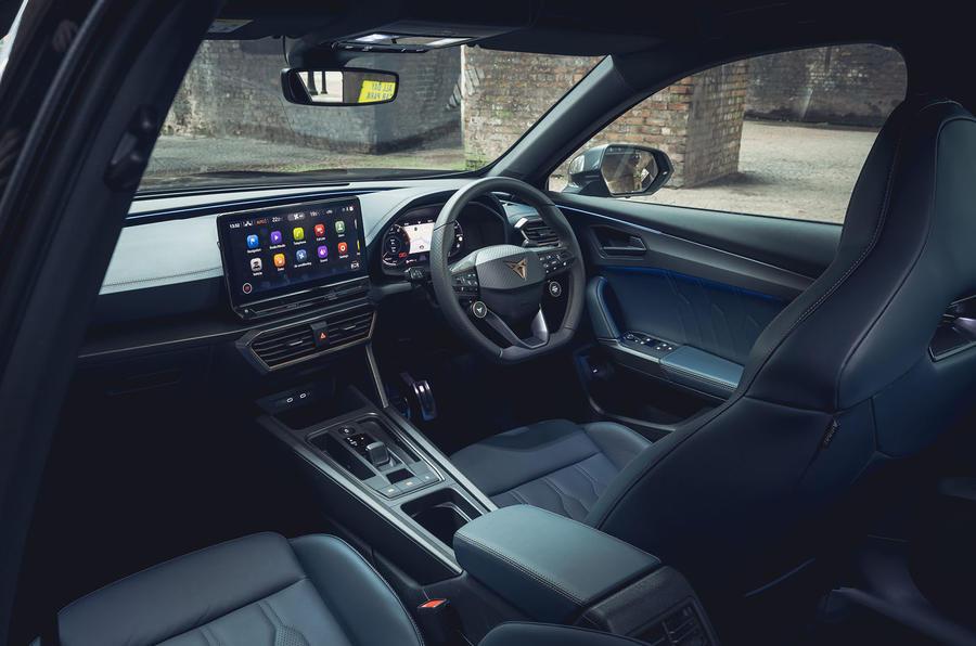 8 Cupra Formentor VZ2 2021 Première cabine de conduite au Royaume-Uni
