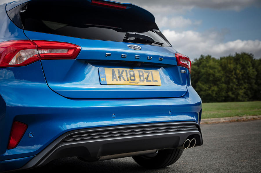 Ford Focus ST-Line 182PS 2018 UK first drive review - rear end