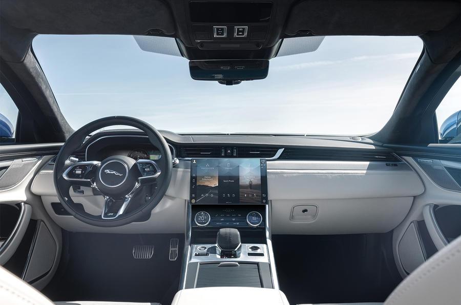 Jaguar XF - interior