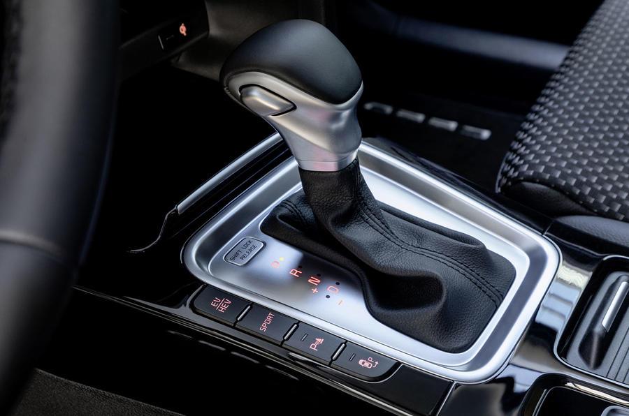 Kia Ceed Sportswagon PHEV 2020 first drive - gearstick