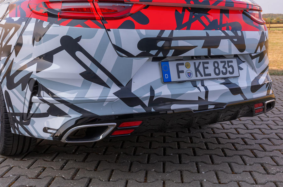 Kia Proceed GT 2018 prototype drive exhausts