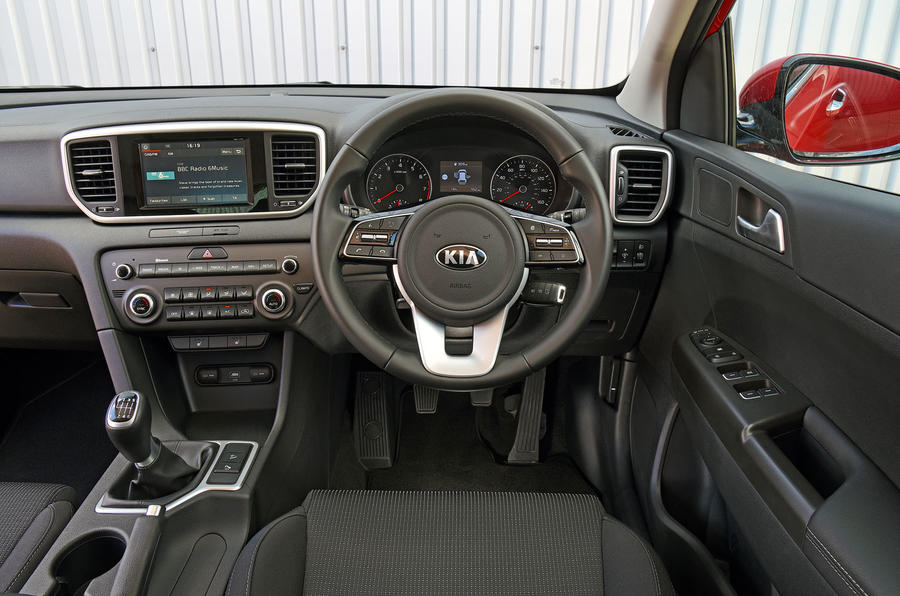 Kia Sportage 1.6 GDI '2' 2018 UK first drive dashboard