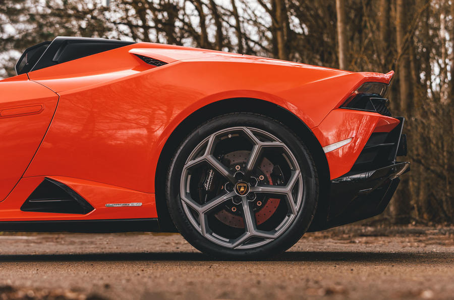 Lamborghini Huracán Spyder 2020 UK first drive review - rear wheels