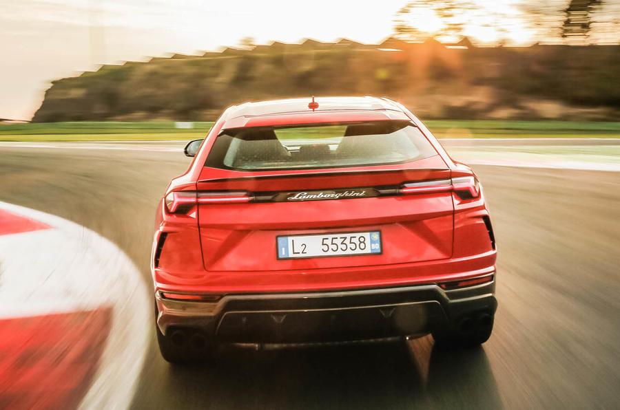 Lamborghini Urus review 2018 track rear