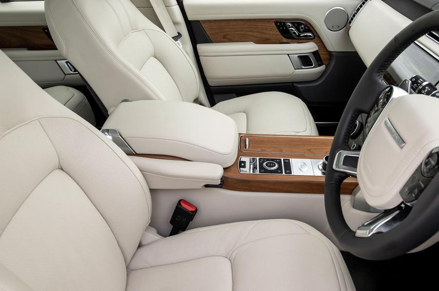 Land Rover Range Rover D300 2020 : premier bilan de conduite au Royaume-Uni - sièges avant