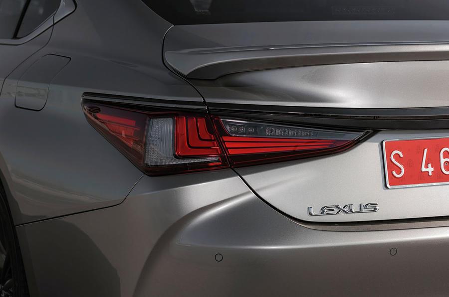 Lexus ES 2019 first drive review - rear lights