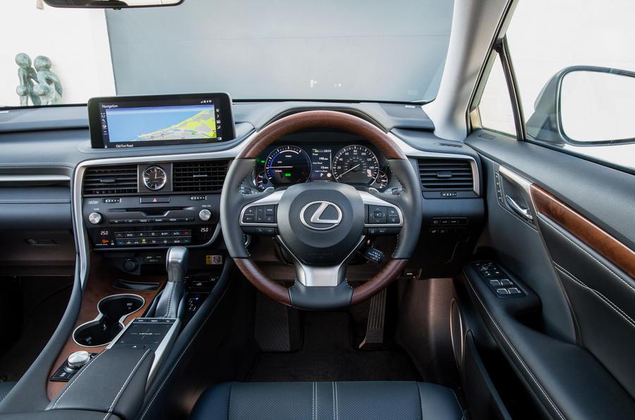 8 Tableau de bord du Lexus RX 450h L 2021 UE FD