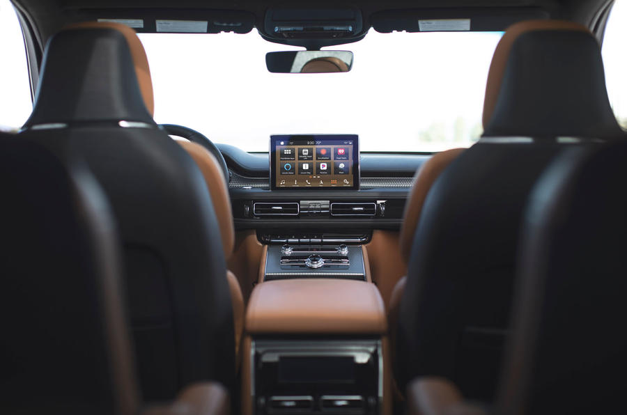 Lincoln Aviator 2020 first drive review - cabin