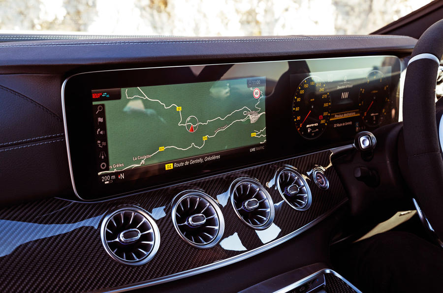 Mercedes-AMG GT 63 S Coupe - touchscreen