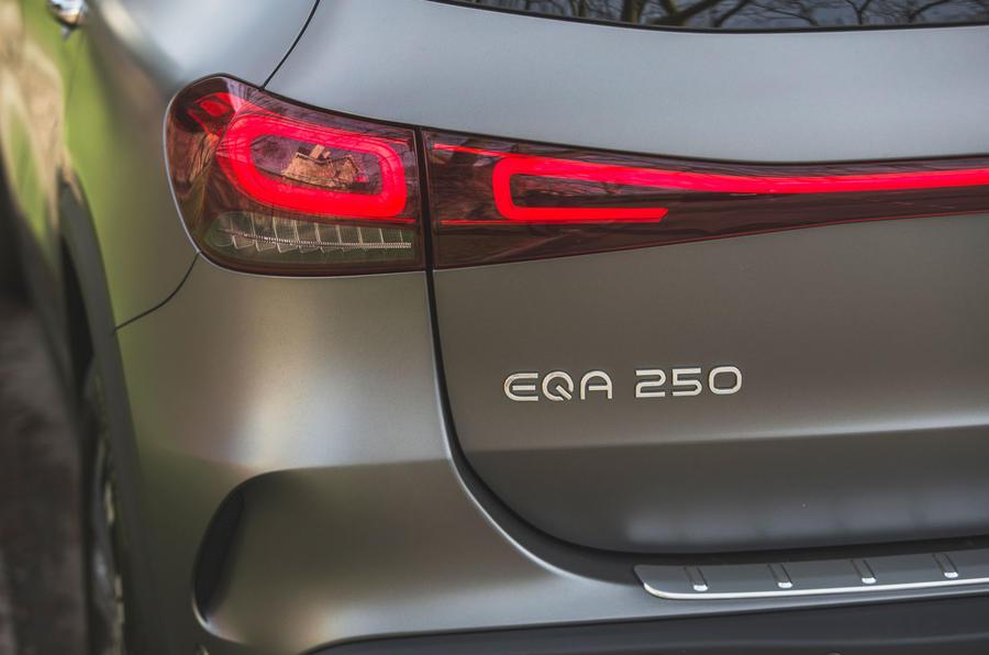 8 Mercedes Benz EQA 2021 : premier examen des feux arrière au Royaume-Uni