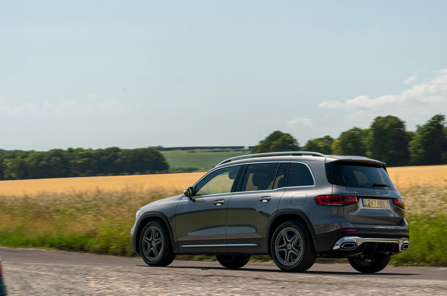 Mercedes-Benz GLB 2020 UK first drive review - cornering rear