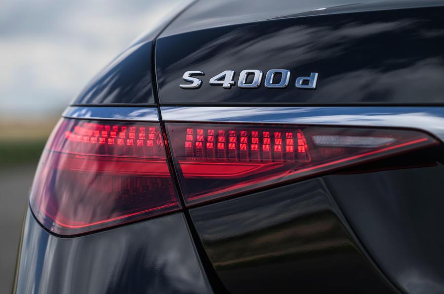 8 Mercedes Classe S S400d 2021 UE FD feux arrière