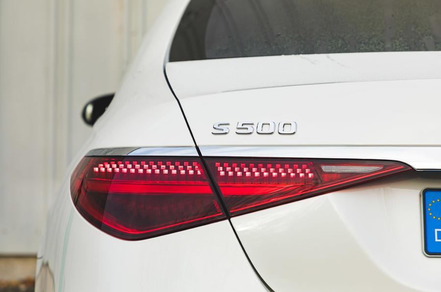 Mercedes S-Class S500 2020 (LHD) : premier examen de conduite au Royaume-Uni - feux arrière