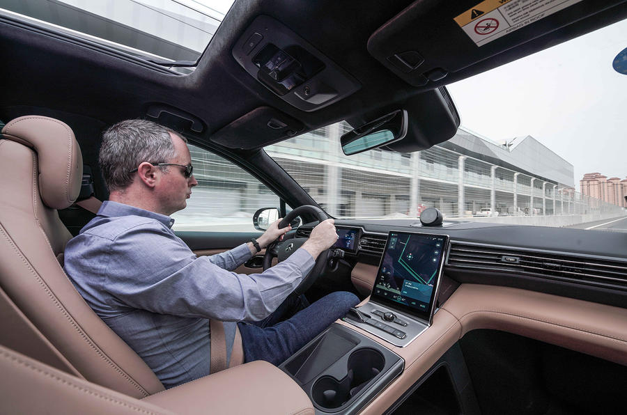 Nio ES6 2019 first drive review - Mike Duff driving