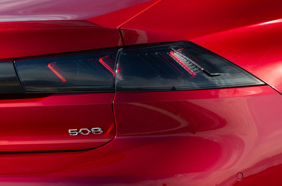Peugeot 508 2018 review rear lights