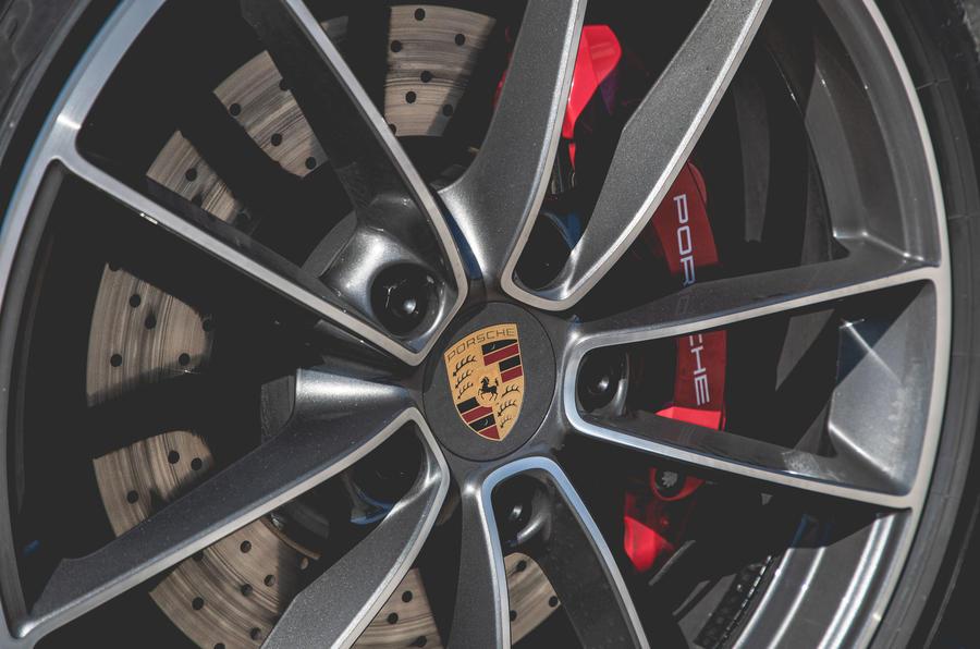 Porsche 911 Cabriolet 2019 first drive review - brake calipers