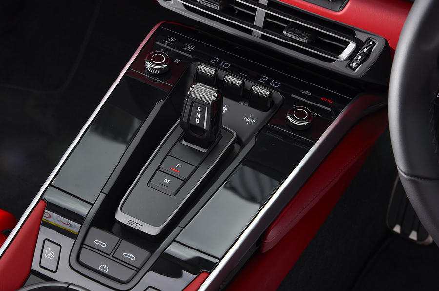 Porsche 911 Carrera 4S Cabriolet 2019 UK first drive review - centre console