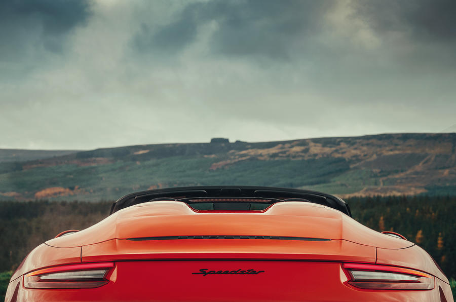 Porsche 911 Speedster 2019 UK first drive review - butresses