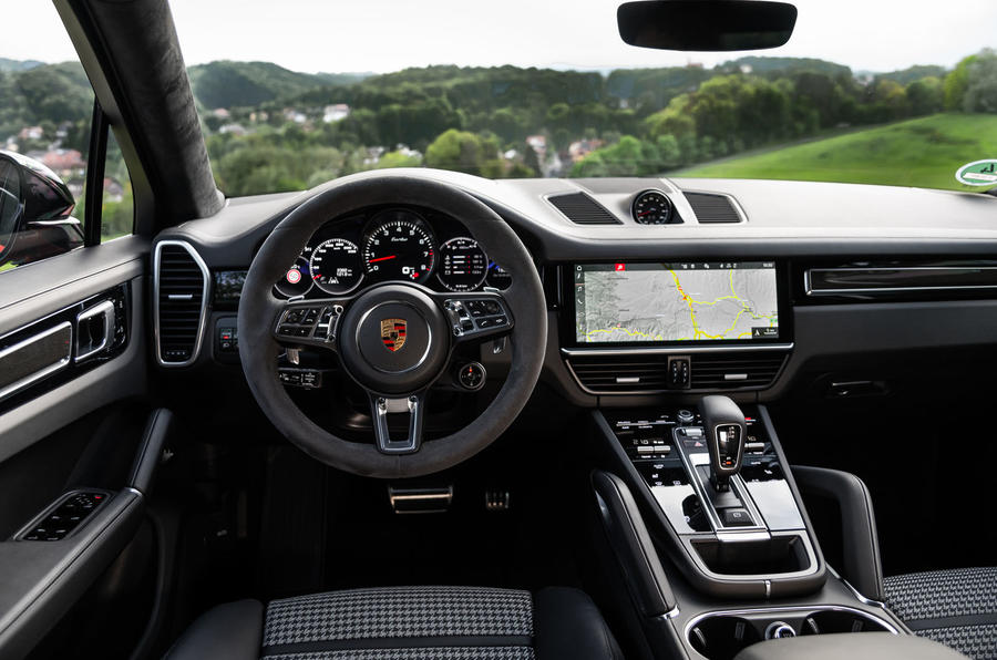Porsche Cayenne Coupé 2019 first drive review - steering wheel