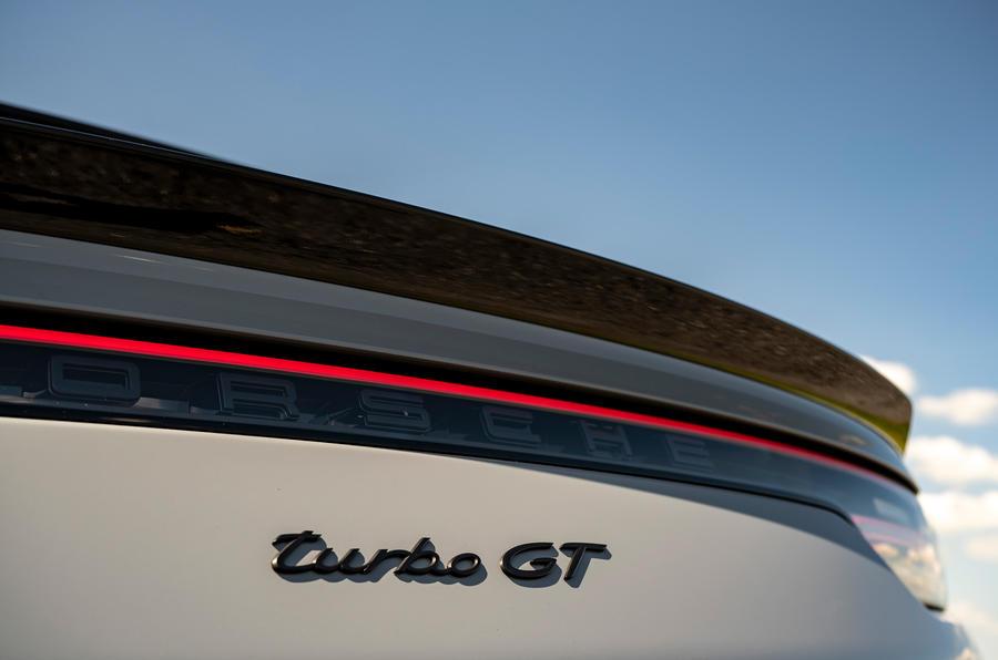 8 Porsche Cayenne Turbo GT 2021 UE FD badge arrière